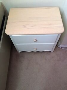 Crib and matching 2 drawer chest  Kitchener / Waterloo Kitchener Area image 5