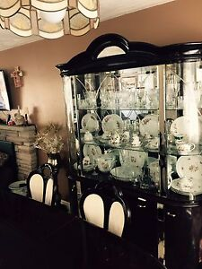 Buffet&  hutch  with dining set