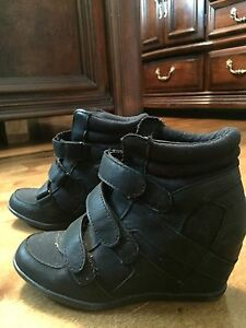 SPRING wedge sneakers size 8