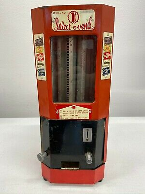 Vintage Select-A-Vend 1 cent Penny Candy Dispenser Machine circa 1940 with key