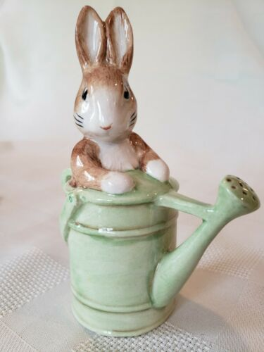 Beswick Beatrix Potter Peter in the Watering Can, BP-10a