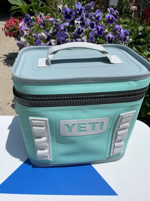 Yeti Hopper 8 Bag Aquifer Blue Used Store Display