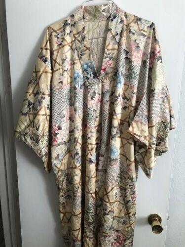 Women Silk Komono Flower Pattern.Japan Made
