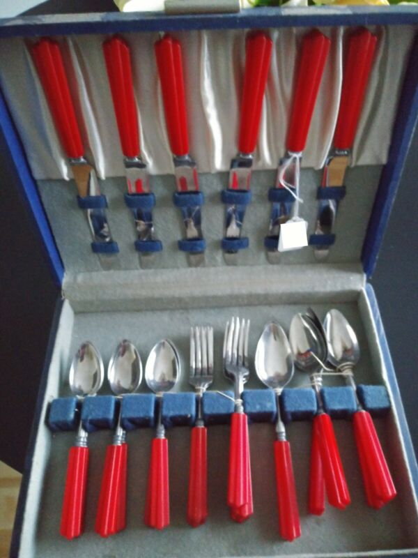 23 Pc. Set Vintage Art Deco Red Bakelite General Cutlery Stainless Flatware Box