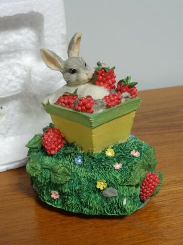 """Charming Tails, Silvestri Music Box, """"My Favorite Things, Dean Griff, NEW"""