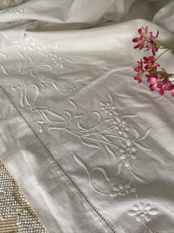 Vintage Heavy White Cotton Embroidered And Monogrammed MB Flat Sheet 🌸