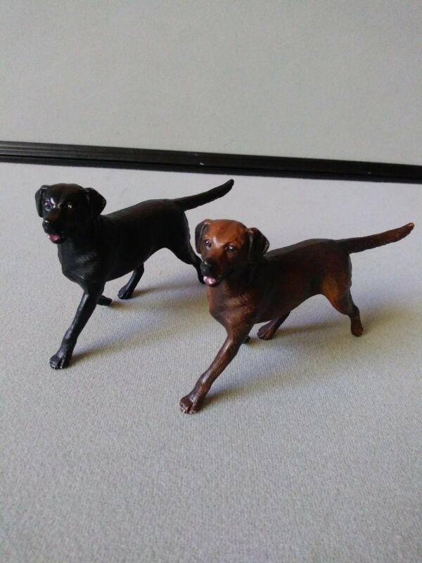 BREYER REEVES 1999 Chocolate Labrador Dog Puppy Figures lot of 2