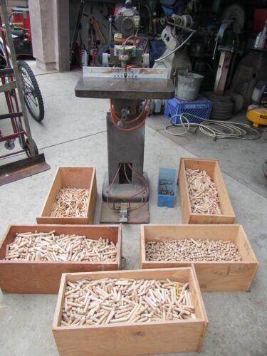 Davis & Wells Spindle Boring Machine & hardware