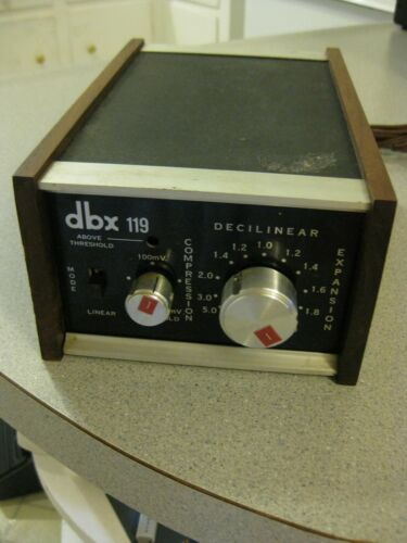 VINTAGE DBX 119 DECILINEAR COMPRESSION AND EXPANSION PRO AUDIO,WORKING,NO LIGHT