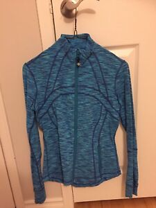 Lululemon clothes, sizes 6 and 8!