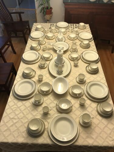 PRICE DROP ! PICKARD PLATINUM BRACELET BANDED CHINA 130+PIECE DINNERWARE SET