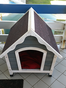 Dog house  small/medium Ipswich Ipswich City Preview