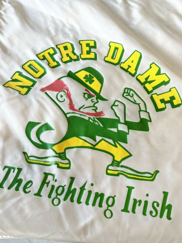 Vtg WGN Flag Co.  Notre Dame Football Flag Made in Chicago USA Fighting Irish ☘️