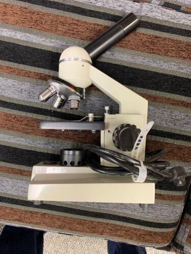 Wolfe Model WF10X Powered Microscope W/ 4X 10X 40X Eyepieces Tested & Working