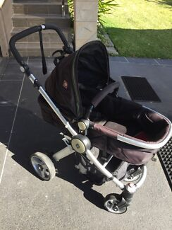 CB VALCO BABY PRAM WITH REMOVEABLE COT CARRIER Cronulla Sutherland Area Preview