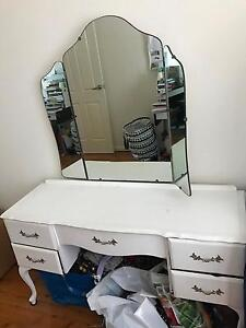Antique dresser Blakehurst Kogarah Area Preview
