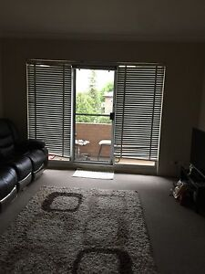 Room share forFemale,close to Parramatta Westfield,Station Mays Hill Parramatta Area Preview