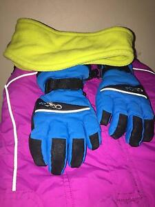 Kid's Ski Suit and Gloves Bundle - Used North Parramatta Parramatta Area Preview