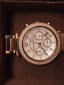 Micheal kors watch hardly worn