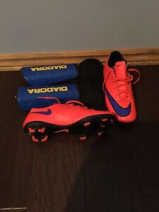 Nike mercurial size 7 and shin pads size m