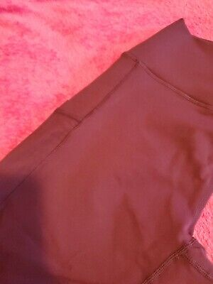 Fabletics Mid to High-Waisted Capri - Solid burgundy  PowerHold - Legging Size L