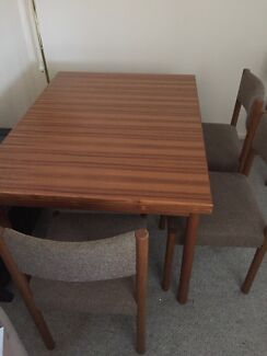 Dining Room Table & 6 Chairs Thornton Maitland Area Preview