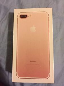 Selling IPhone 7plus Rosegold sealed in box !!!