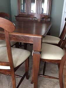 Lazy Boy table and hutch (mint condition)