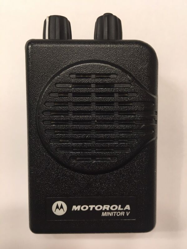 MOTOROLA MINITOR V 5 LOW BAND PAGERS 45-49 MHz STORED VOICE 2-CHANNEL