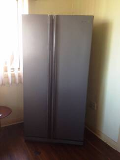 SAMSUNG SIDE BY SIDE FRIDGE 539L FROST FREE FRIDGE SRS538NP Roselands Canterbury Area Preview