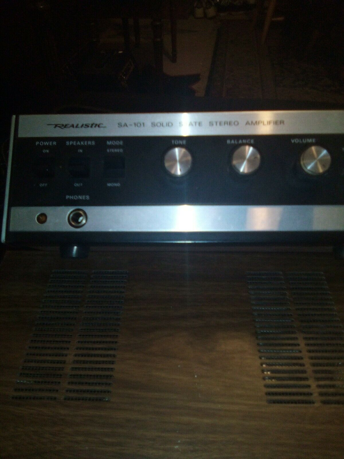 VINTAGE REALISTIC SA-101 SOLID STATE STEREO AMPLIFIER TESTED - $19.99