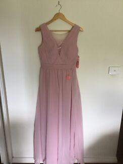 Dresses- never worn in great condition