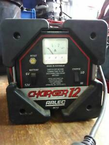 Arlec battery charger