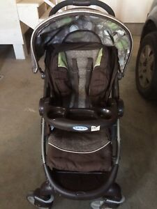 Graco Collapsible Infant Stroller