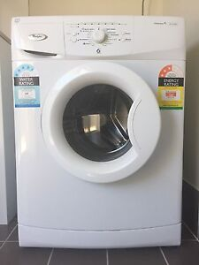 Whirlpool 7.5kg front load washer WFS 1071BW Harrington Park Camden Area Preview