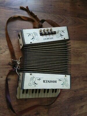 RARE VINTAGE HOHNER STUDENT ACCORDION