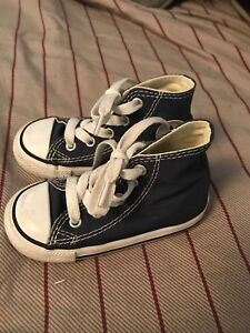 Toddler boys size 6 converse sneakers