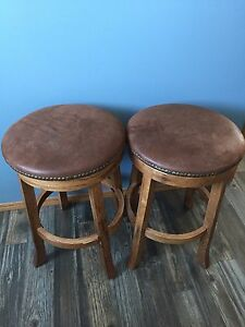 Table and chairs. Stools extra