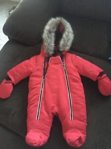 Snow suit with mitts