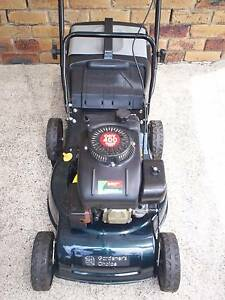4 STROKE SERVICED LAWN MOWER.CATCHER! Runcorn Brisbane South West Preview