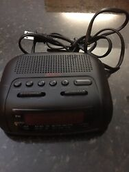 Sunbeam Hospitality AM FM Digital Alarm Black Clock Radio Model #89014 Tested