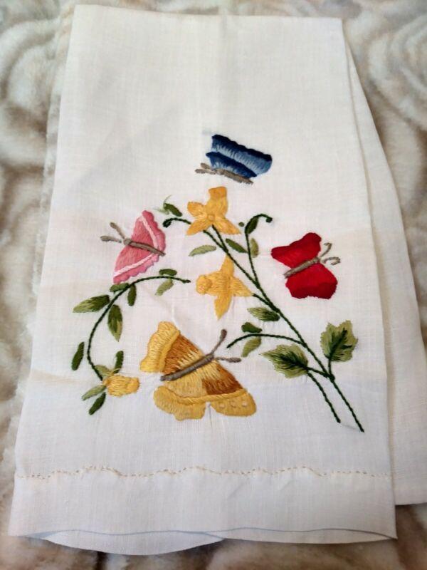 "Beautiful Butterfly Madeira Embroiderd White Linen Hand Towel 14.5"" x 9"""