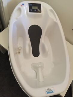 Aqua Scale Baby Bath from Baby Bunting - Excellent Condition