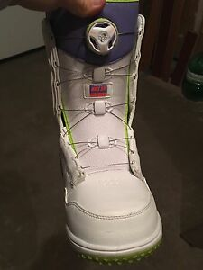 2 pairs of Snowboarding boots