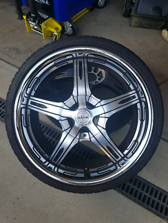 Multi stud king rims 20s off ford