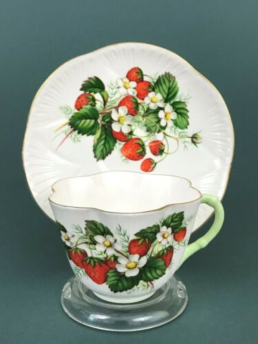 Shelley Bone China Strawberry Dainty Green Handle Tea Cup Saucer Gold Trim A2397