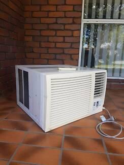 Medea box unit air conditioner
