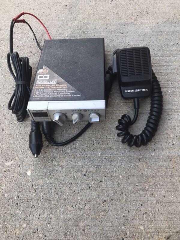 General Electric CB Transceiver Radio 3-5806A, w/ GE Mic EA68X63