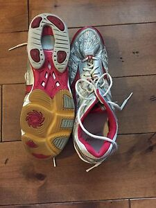 Mizuno volleyball shoes. Men's size 14