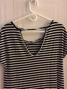 New with tags xs America Eagle top/dress London Ontario image 3